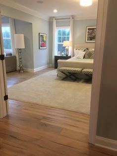 Carpet inlay in master bedroom.