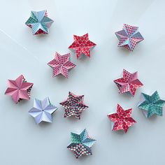 Fun to make two-patterns-in-one origami stars. Find the paper (free download) and a tutorial on my blog!