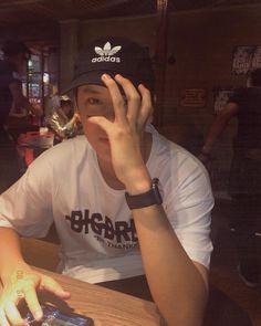 Boyfriend Pictures, Boy Pictures, Your Boyfriend, Male Models Poses, Wallpaper Aesthetic, Boy Celebrities, Thai Drama, Tumblr Boys, Korean Men
