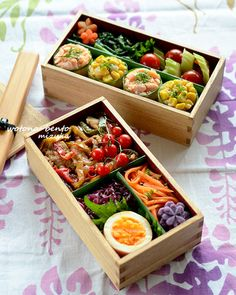 6/7 カッパ軍艦と豚のタイ風炒め弁当 Japanese Bento Lunch Box, Bento Box Lunch, Japanese Dishes, Japanese Food, Bento Recipes, Healthy Recipes, Work Lunch Box, Bento And Co, Yakisoba