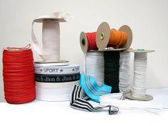 Aviamentos funcionais: elástico, velcro e forro