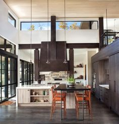 Cool range hood...Like the color - contemporary-home-design-vertical-arts-architecture-09-1-kindesign