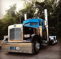 Check out this Pete! Heavy Duty Trucks, Big Rig Trucks, Dump Trucks, Cool Trucks, Heavy Truck, Peterbilt 379, Peterbilt Trucks, Custom Peterbilt, Custom Big Rigs