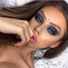 Bildergebnis für coachella make up Rave Makeup, Glam Makeup, Makeup Inspo, Makeup Art, Makeup Inspiration, Beauty Makeup, Hair Beauty, Cheer Makeup, Exotic Makeup