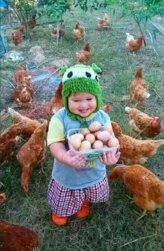 chickens and cheer So Cute Baby, Cute Kids, Cute Babies, Precious Children, Beautiful Children, Beautiful Babies, Animals Beautiful, Animals For Kids, Animals And Pets