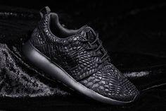 d60c52edfa0b3 Nike Roshe One Dmb (Triple Black) - Sneaker Freaker