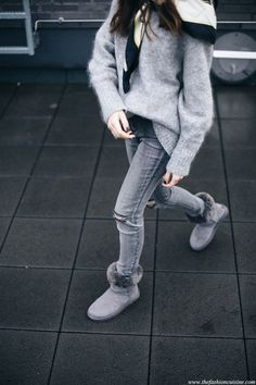 Winter Trends 2016, Ugg Winter Boots, Snow Boots, Jean Outfits, Casual Outfits, Work Outfits, Grey Uggs, Ugg Boots Outfit, Ugg Shoes