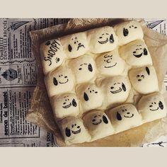 チョコペンで書いた表情がどれもカワイイ♡ チャーリーブラウンもいますね!