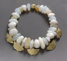 Necklace | Roger Doyle. 18k yellow gold with opals