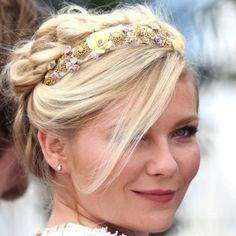 Kirsten Dunst et son headband fleuri lors du 65ème Festival de Cannes, le 23 mai 2012.