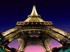Paris, Torre Eiffel. Enorme, linda...