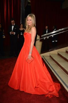 Red Carpet Moments at The Oscars 2013 - Jennifer Aniston / Photo by George Pimentel