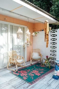 Welcome To The Sugar Shack ~ The Home Of Rebecca Williams Surf shack inspo Outdoor Spaces, Outdoor Living, Outdoor Decor, Indoor Outdoor, Sofa Rattan, Deco Retro, Interior And Exterior, Interior Design, Deco Boheme