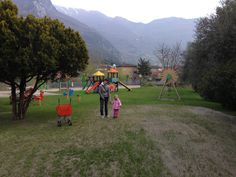 Fede e Isabel parco giochi camping Arco