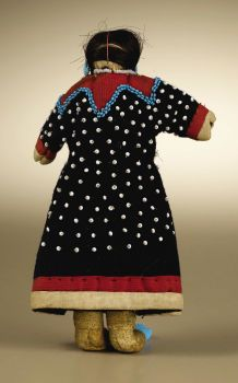 Native American:Cradles and Dolls, Crow Female Doll. Circa Height 6 in. The doll is wearinga wool dress embroidered with white seed beads in imit. Native American Dolls, Native American Clothing, Native American Artwork, Native American Beauty, Native American Artifacts, Native American Indians, Native Americans, Crow Indians, Plains Indians
