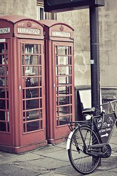 Seeing an iconic British telephone box reminds me how lucky I am to travel across the pond to see my family and country! The Places Youll Go, Places To Go, Cambridge Uk, Telephone Booth, British Things, England Uk, British Isles, Great Britain, Retro