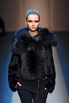 fall 2013 2014 trends | Initial Fur Fashion Trends 2013 | Milan, Part 1 | FurInsider.com  BLACK    FUR