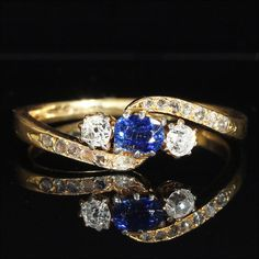 Antique 'Toi et Moi' Bypass Ring with Sapphire and Diamonds in 18k Gold