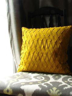 West Elm inspired Wool Felt Lattice Throw Pillow. DIY tutorial on how to make…