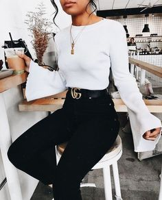 Black and white casual chic outfit.