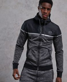 Shop Superdry Mens Training Hybrid Zip Hoodie in Charcoal Grit. Buy now with free delivery from the Official Superdry Store. Gym Outfit Men, Sport Outfit, Moda Junior, Moda Men, Track Suit Men, Superdry Mens, Team Wear, Zip Hoodie, Gym Men