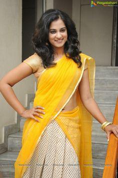 Nanditha Raj Hot Navel Show In Yellow Half Saree Photos Indian Film Actress, South Indian Actress, Indian Actresses, Hot Actresses, Yellow Saree, Yellow Dress, Saree Navel, Thing 1, Beautiful Blonde Girl