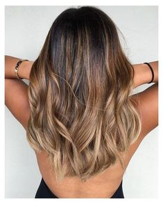 Are you looking for blonde balayage hair color for fall and summer? see our collection full of blonde balayage hair color for fall and summer and get Ash Blonde Balayage, Brown Blonde Hair, Hair Color Balayage, Hair Highlights, Beige Highlights, Balayage Hairstyle, Wavy Hair, Honey Balayage, Medium Balayage Hair
