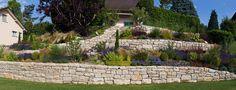 talus fleuri | 1001jardins » talus-paysager-en-pierre-seche-calcaire-et-fleuri