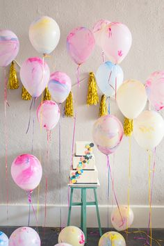 geometric cake + marbled balloons, photo by Matt & Julie Weddings