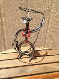 Bikini clad roping cowgirl art horseshoe sculpture by OddTwist Welding Art Projects, Welding Crafts, Diy Welding, Metal Welding, Metal Projects, Welding Tools, Diy Tools, Diy Projects, Horseshoe Projects