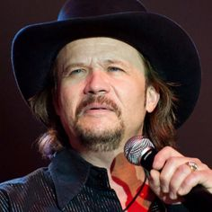 Old Country Singers | Travis Tritt - Songwriter, Singer - Biography.com