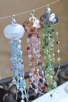 Sooooo pretty! I love looking at the Calvin Orr jellyfish beads...not sure what I'd make if I got one though. (Location: The Bead Gallery Honolulu)