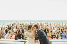 Agora você pode beijar a noiva francesa Imagens de Beijos de casamento