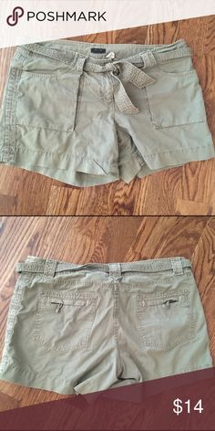 J Crew green cargo shorts J Crew green cargo shorts size 8. J. Crew Shorts Cargos