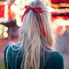 Booked your appointment for your #holiday #hair and #makeup?  Uh oh-better hurry! Call @thestylebar @bonaircenter soon. #marininstagram #greenbrae #bonaircenter #holidayspirit #holidays #holidayparty #gorgeous #glamourous #exploremarin #marininstagram #beautiful