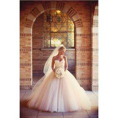 wedding dress Wedding Dresses ❤ liked on Polyvore featuring dresses, wedding dresses, wedding, pictures, casamento and wedding ideas