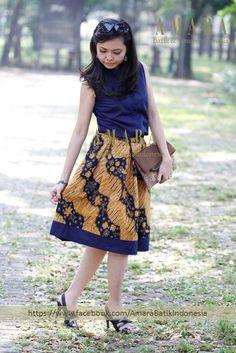 Blue Cheongsam Tops with Batik tulis sogan lawas flare skirt