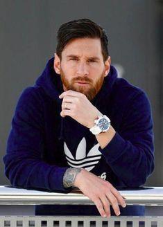 Lionel Messi Wife, Cristiano Ronaldo Girlfriend, Cristiano Ronaldo Junior, Lional Messi, Neymar, Lionel Messi Instagram, God Of Football, Football Gif, Messi Videos