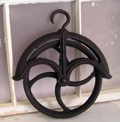 Country Cool Old Steel/iron Well Pulley
