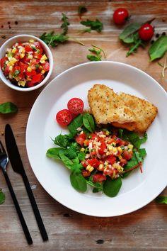 Sprø fisk og en deilig tomatsalsa med mango - sunt og enkelt! Bruschetta, Mango, Ethnic Recipes, Food, Cilantro, Manga, Essen, Meals, Yemek