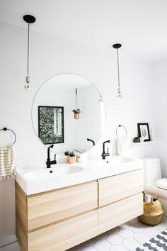 This bathroom is so perfect! I… This bathroom is so perfect! // This bathroom is so perfect! Interior Design by Buk & Nola Pin: 720 x 1080 Ikea Bathroom Vanity, Bathroom Red, Small Bathroom, Ikea Mirror, Bathroom Canvas, Upstairs Bathrooms, Rustic Bathrooms, Closet Ikea, Modern White Bathroom