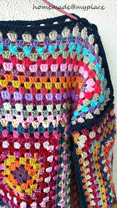 I started to crochet my first granny square for my jumper-to-be on last 4th of October... ... and little by little, crocheting on a daily basis, I added rounds after rounds ... ... while I was ...