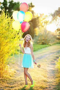 Just bring balloons. To like, every single senior shoot I ever have for the rest of my life. Posh Poses | Solo | Senior Pics | Lolly Pops & Chiffon Skirts | Senior Girls