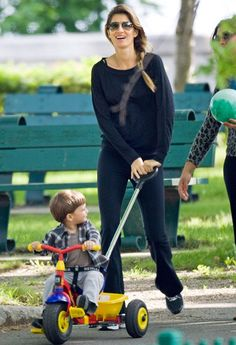 gisele in tracksuit