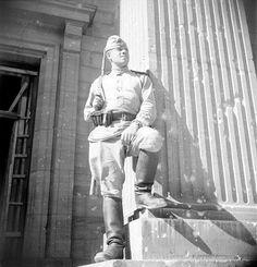 viktor3951 — «Советский солдат на ступенях Рейхсканцелярии.» на Яндекс.Фотках