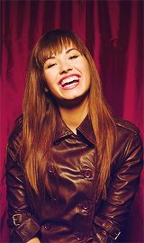 I am not the biggest fan in the world. But this smile seems so genuine - she looks for joyful! Camp Rock, Thalia, Demi Lovato Pictures, Shes Amazing, Tough Girl, Hollywood, Teenage Years, Celebs, Celebrities