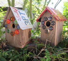 Birdhouses made with old redwood fence boards, bottle caps, lock and key, license plate and tin. I made sure to add access to the inside for yearly clean out. Redwood Fence, Fencing Material, Old Fences, Craft Markets, Ornamental Plants, Plant Sale, Garden Crafts, Birdhouses, Bottle Crafts
