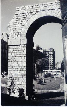 Aqüeducte romà. Plaça Nova
