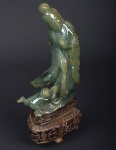 China 20. Jh. Jade Figur - A Chinese Jadeite Figure of Guanyin - Cinese Chinois