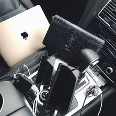 """If I had 10% phone battery for every time we have argued over who is charging their phone in the car I would have enough battery to last me the rest of my life. FINALLY @fonestuff have come to the rescue with this 4 port family car charger so we don't have to wrestle our way to the USB anymore. No more car fights who's with me?! Pick yours up by searching """"passenger"""" on TheFoneStuff.com #Ad #CarCharger #HaweelCharger #Bloggerlife #Lifestyleblog #lifestyleblogger #lifestylephotography…"""